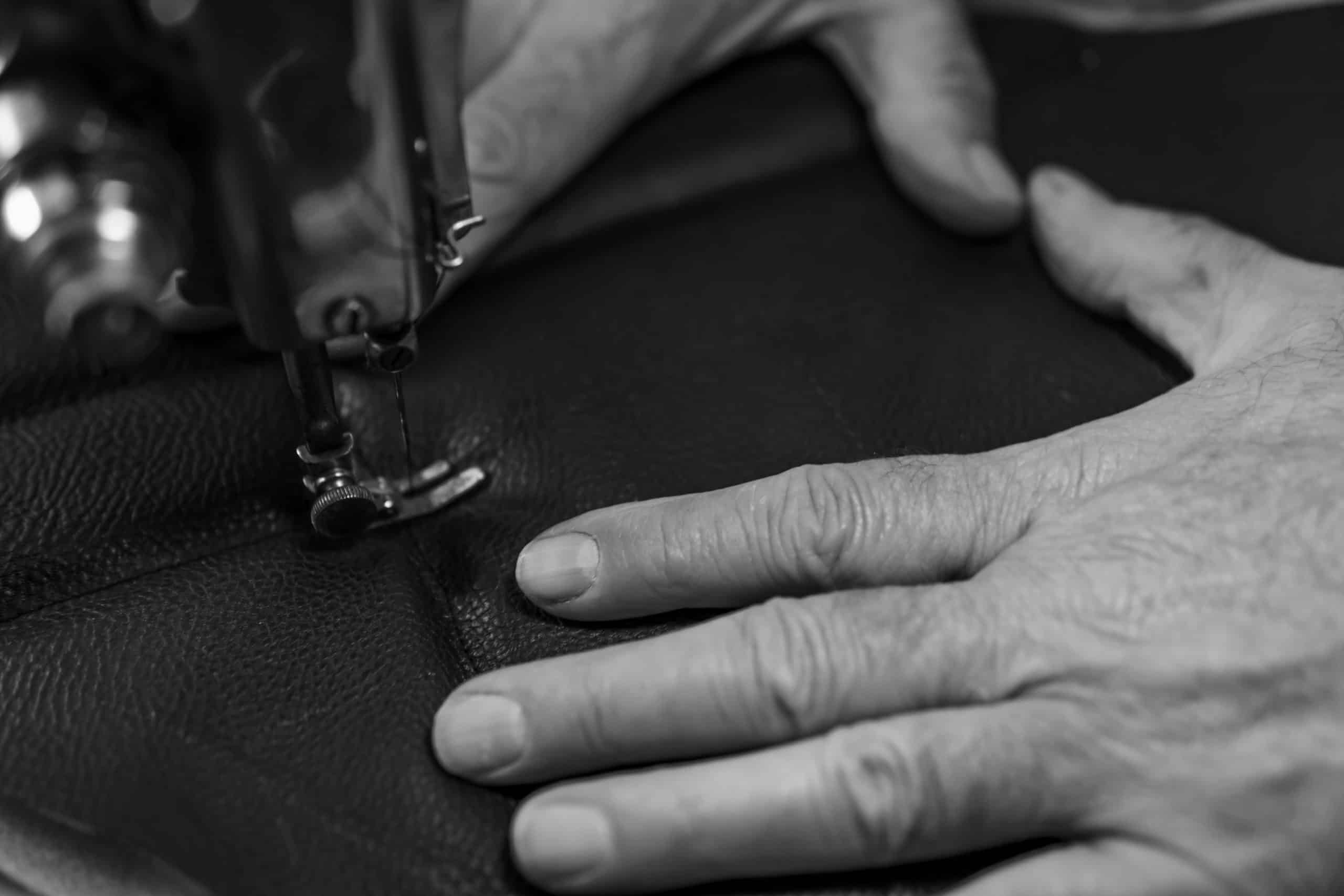 4 Key Factors to Consider When Choosing a Marine Upholsterer